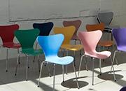 经典 | 这把现代家具史上畅销的座椅之一,你一定也坐过!